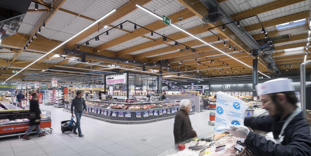 Hyper U de Romans sur Isère - Client : Philips Lighting