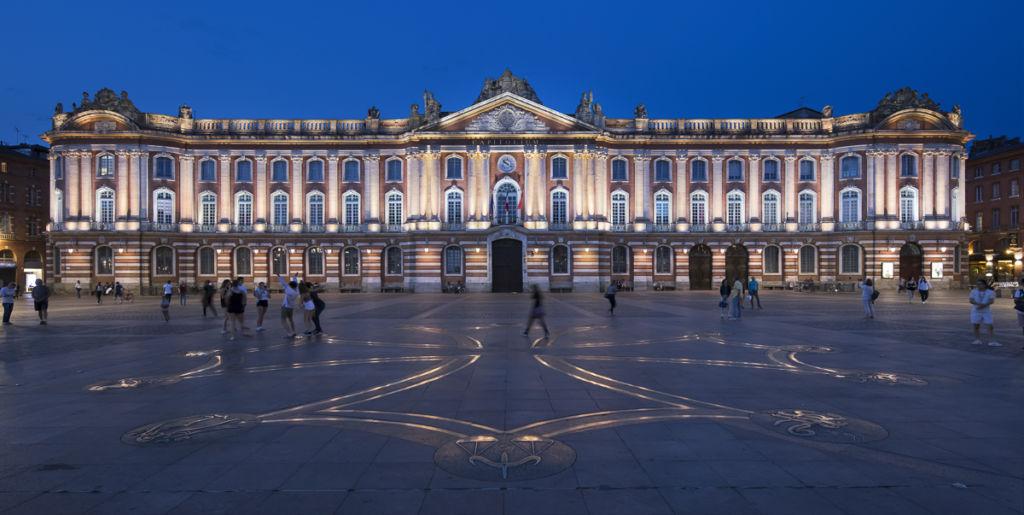Place du Capitole à Toulouse Concepteur Lumière : Lionel Béssières, Quartier Lumières