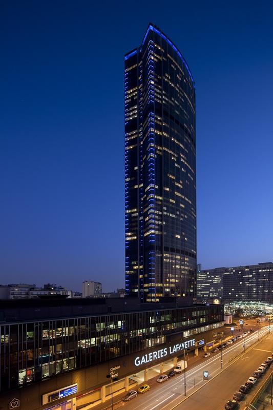 Tour Montparnasse - Concepteur lumière : Régis Clouzet - Client: Philips Lighting