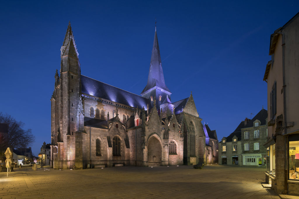 Eglise Saint Aubin à Guerande - Client : Signify Conception lumière : Lyum