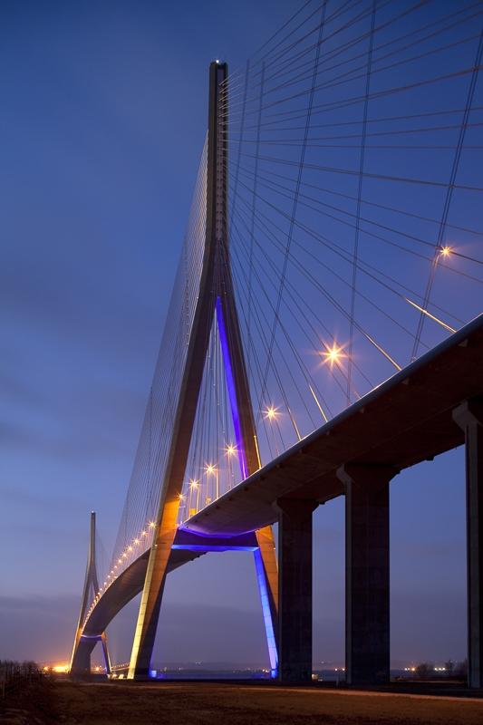 Pont de Normandie à Honfleur - Client: Cabinet Lavigne - Conception Lumière : Yann Kersalé