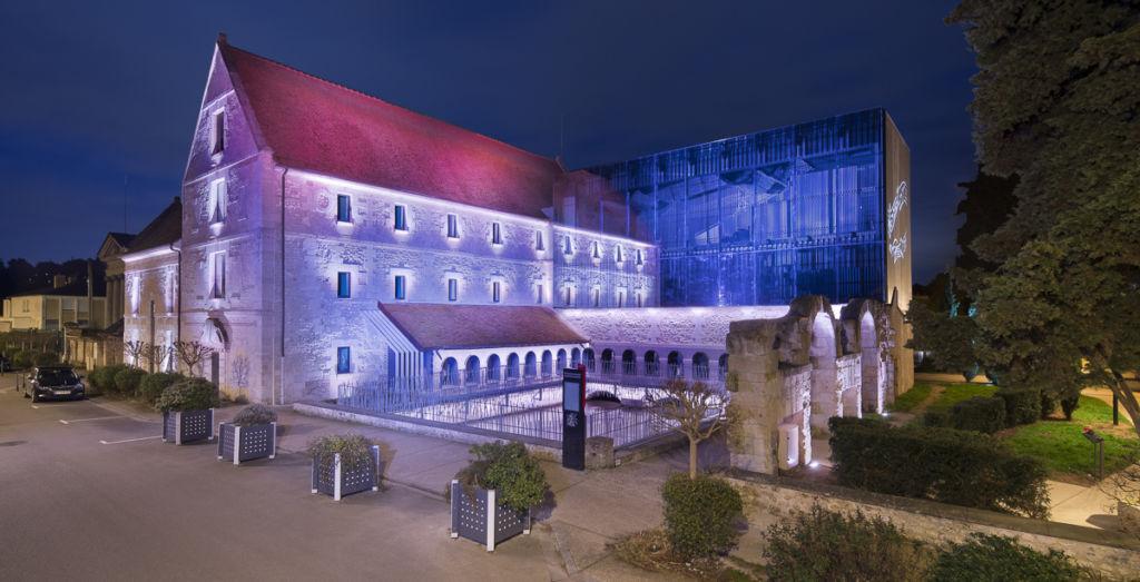 Ecole de musique de Louviers - Client : Citeos - Concepteur lumière : Lyum