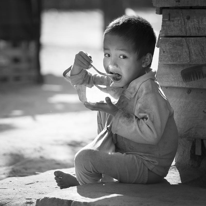 Dans un village Akha, à la frontière chinoise