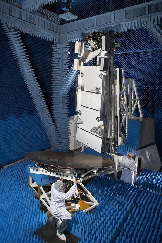 Test antenne en champ proche CIEL2 MS3 Antenna à Toulouse - Client : Thales Alenia Space