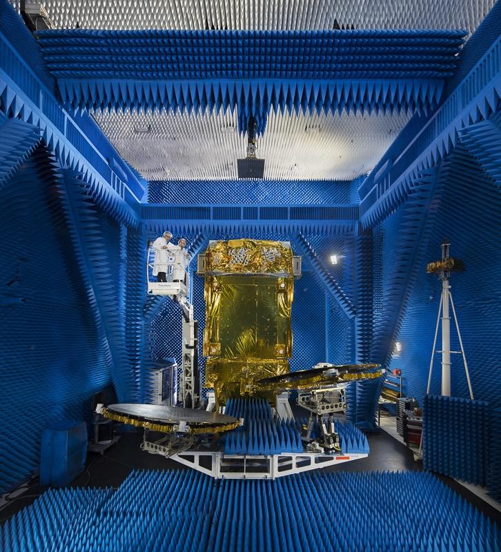 Antenne Konnect Africa en champ proche à Toulouse - Client : Thales Alenia Space