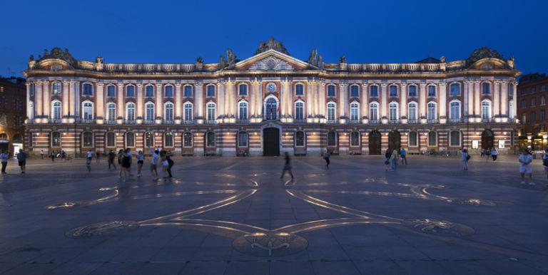 Place du Capitole à ToulouseConcepteur Lumière : Lionel Béssières, Quartier Lumières